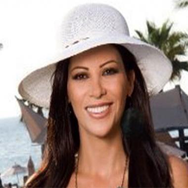 """ريتا برصونا قريباً في """"أصحاب 3"""": ساومت زوجي من أجل المجيء إلى لبنان"""