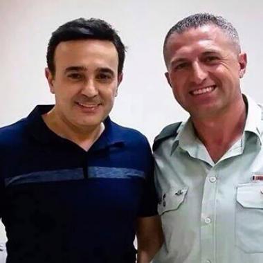 صابر الرباعي يوضح حقيقة صورته مع الضابط الإسرائيلي