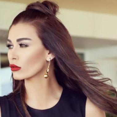 نادين الراسي انفصلت عن خطيبها المجهول