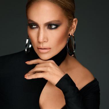 مجموعة Inglot Cosmetics لإطلالة متميّزة وشياكة دائمة في موسم الأعياد