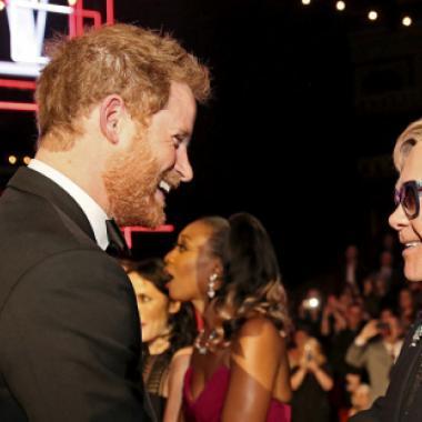 """إلتون جون والأمير هاري يعملان معاً لمكافحة """"الإيدز"""" بين الرجال"""