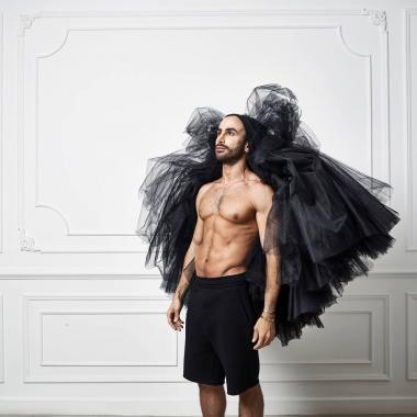 كريكور جابوتيان: استلهم التاريخ فتلتف أفكاري أزياءً على جسد المرأة