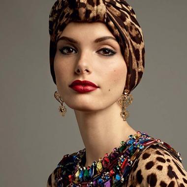 عباءات Dolce & Gabbana مستوحاة من أزهار جزيرة صقلية