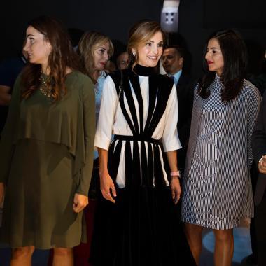 الملكة رانيا تشارك في أسبوع عمان للتصميم