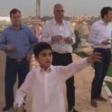 بالفيديو: أصغر دليل سياحي سعودي