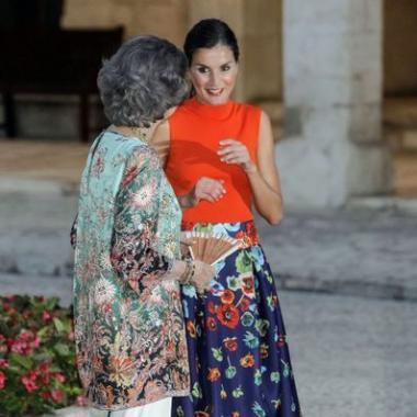 بالصور: العائلة المالكة الإسبانية تحاول تأكيد التناغم بين الحماة والكنة
