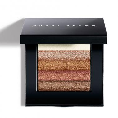 Strobing بأسلوب BOBBI BROWN