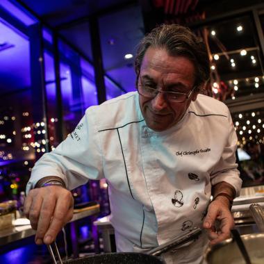 """الشيف Christophe Vessaire ينقل تجربته الطويلة ونجوم ميشلان إلى """"فندق سمولفيل"""" في بيروت"""