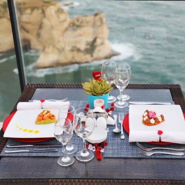 أجواء رومنسية ساحرة في فندق الروشة أرجان من روتانا