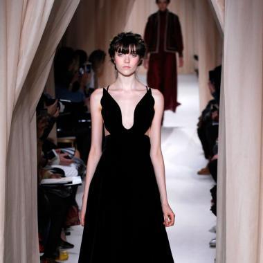 أزياءٌ ربيع وصيف 2015 - VALENTINO