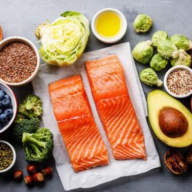 عادات غذائية لتأخير انقطاع الطمث