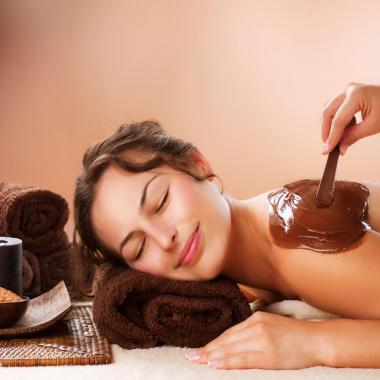 التدليك بالشوكولا أحدث صيحات العناية بالبشرة