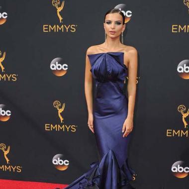هكذا تألقت النجمات على سجادة الـ Emmy Awards الحمراء