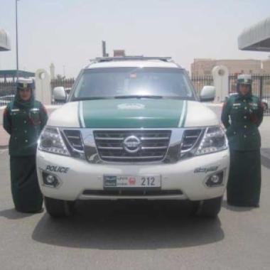 شرطة دبي تنقذ فتاة تتعرض للتعنيف من قبل والدتها!