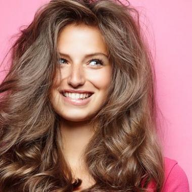 طريقة سحرية بسيطة للاطمئنان على صحة شعرك!
