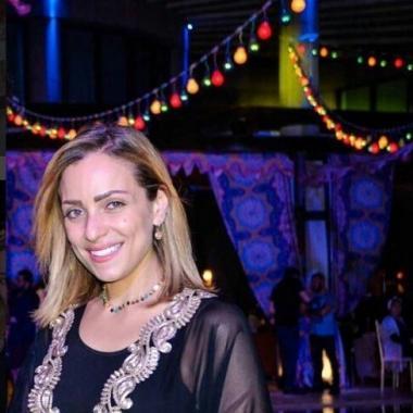 صورة وابتسامة وكلمات من ريم البارودي لداعميها في محنتها