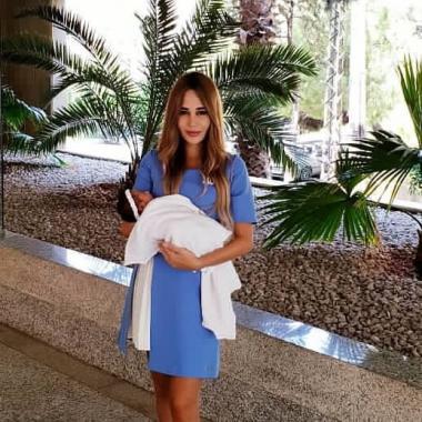 """داليدا رامي عياش تنشر الصورة الأولى لطفلتهما """"آيانا"""""""