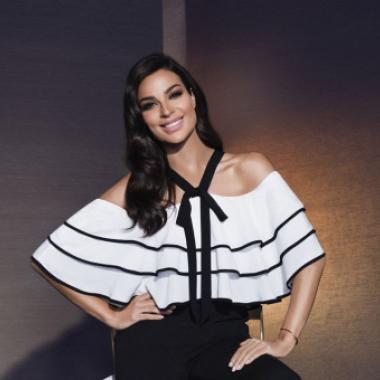 نادين نسيب نجيم سفيرة لماركة الأزياء ـ«فيمي9»