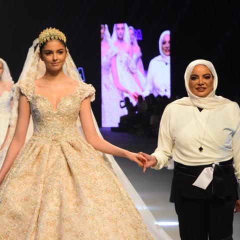 """المصمّمة الكويتيّة أديبة المحبوب تقدّم """"مجموعة العرائس الملكية"""" في بيروت"""