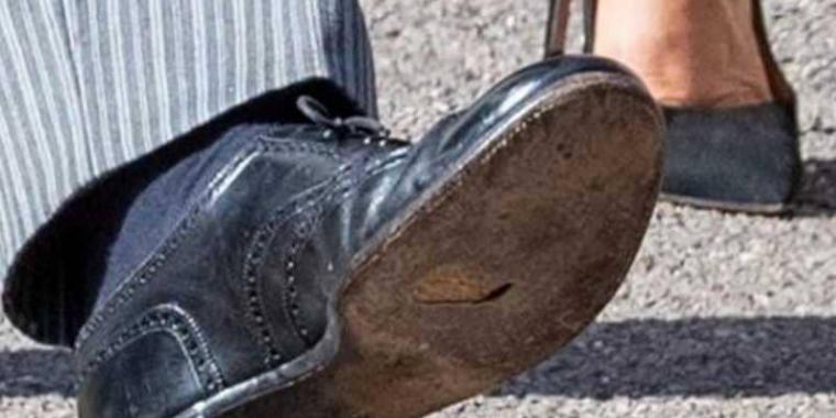 ثقب في حذاء الأمير