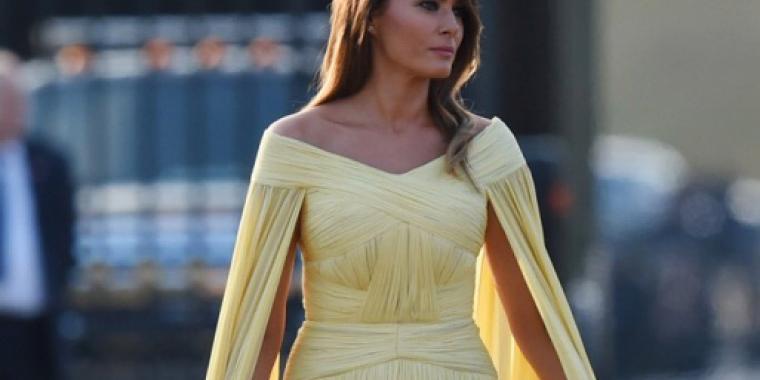 فستان ميلانيا ترامب الأصفر الدرابيه موضع تهكم سياسي الطابع