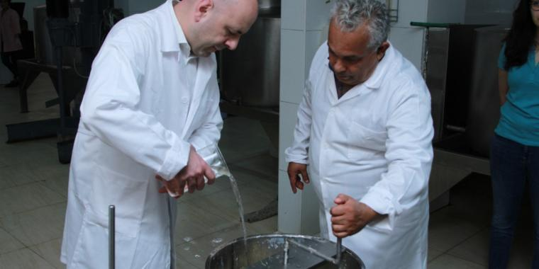 قرية بدر حسون البيئية تقدّم إنجازاً لبنانياً جديداً إلى بابا الفاتيكان