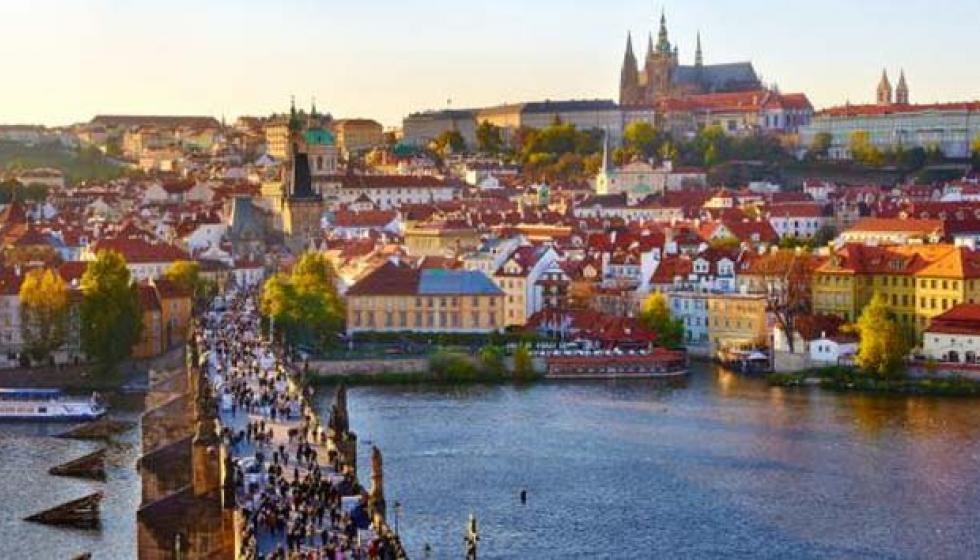 براغ العاصمة الجميلة بأبراجها العتيقة وبيتها الراقص