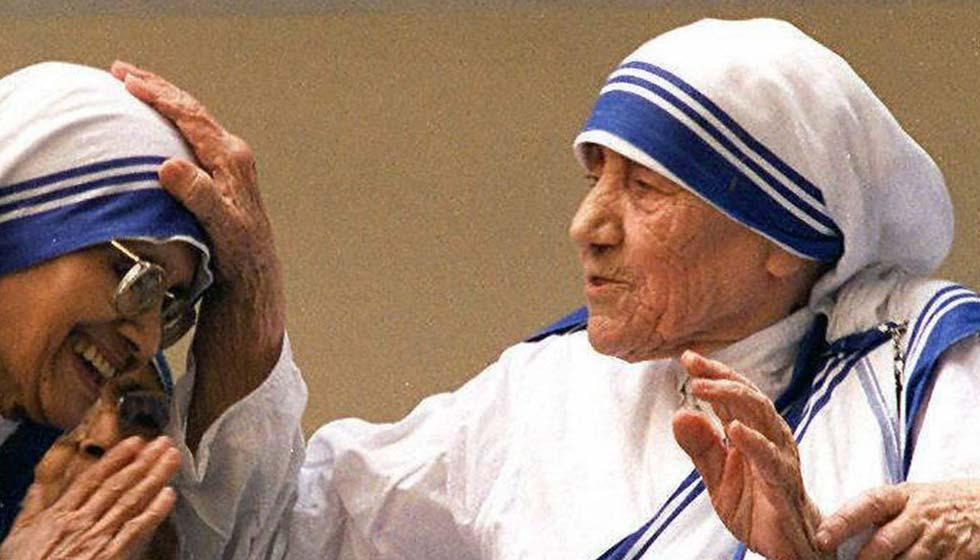 الأمّ تيريزا: قدّيسة رغماً عنها