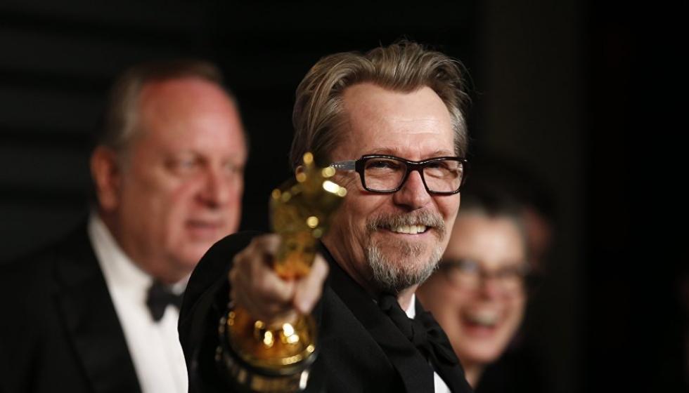 طليقة الفائز بجائزة أوسكار أفضل ممثل للـ2018 تهاجمه والأكاديمية