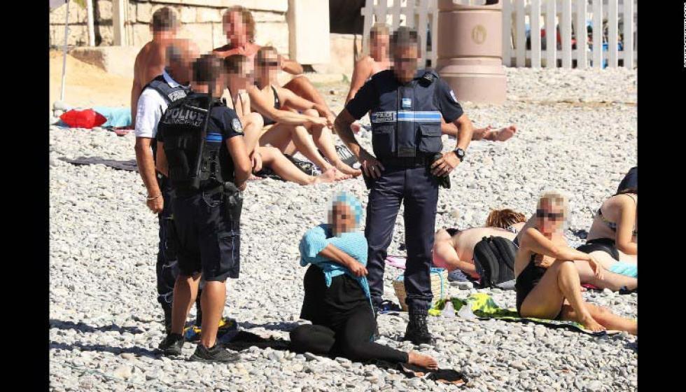 """""""المايوه الاسلاميّ"""" يشعل فرنسا"""