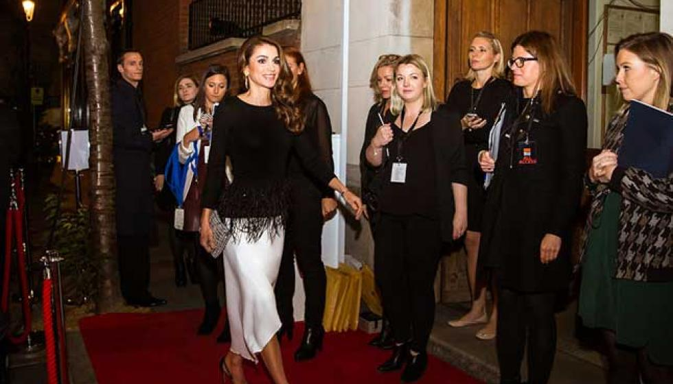 الملكة رانيا العبد الله متألقة في عيدها الـ46!