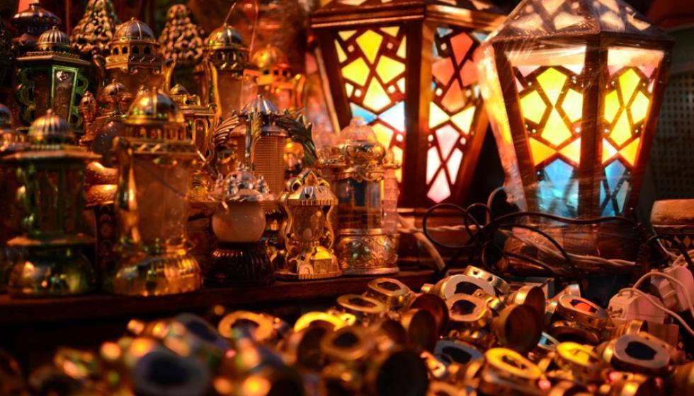 حكايات فانوس رمضان بلون فرح الأطفال