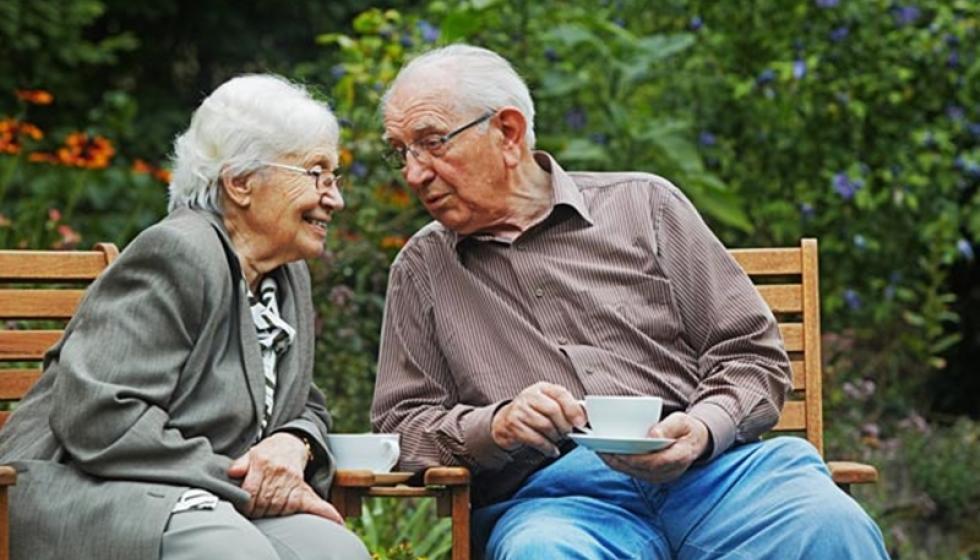 هل صحيح أن الضحك سبب دوام الحب؟