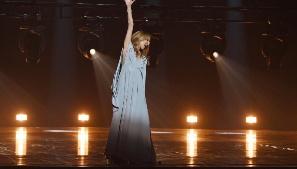 وعادت سيلين ديون إلى الغناء!