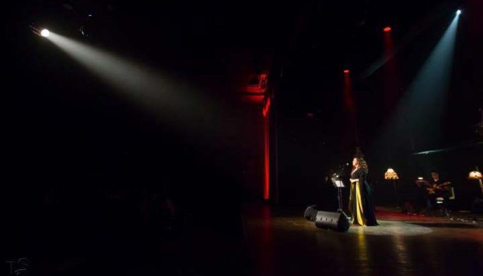 ايفون الهاشم: الحضور الساطع