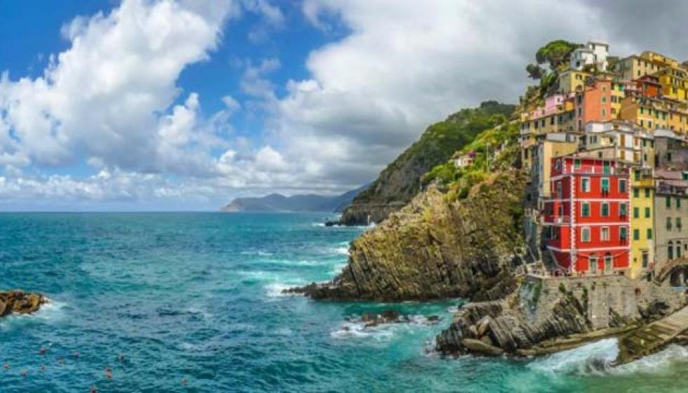 """هيا بنا إلى """"إيشيا"""" الجميلة جزيرة الينابيع الحرارية"""