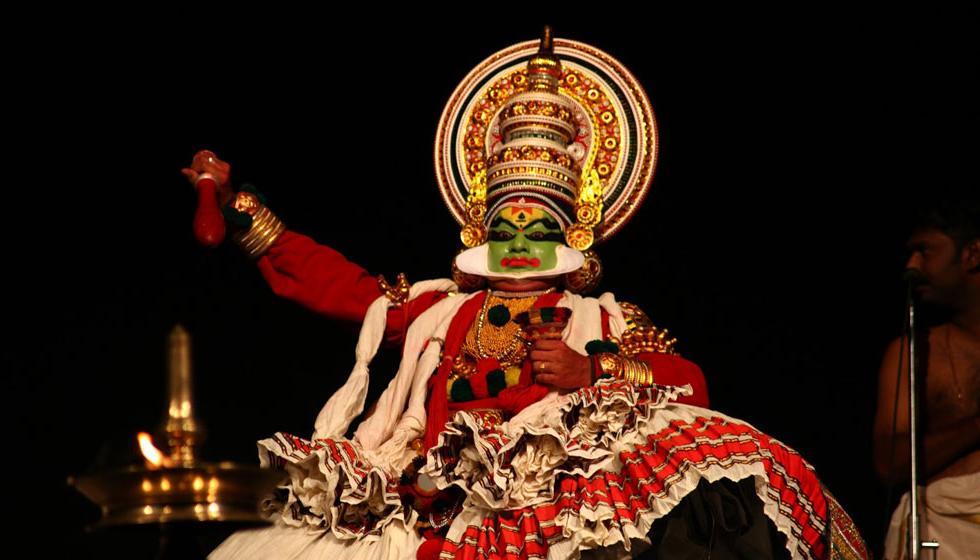 """""""من المهابهاراتا"""" مسرحٌ راقص في مهرجان الربيع"""