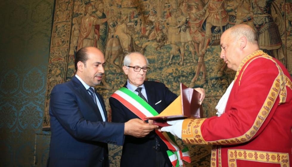 تكريم متميّز لمنصور بن زايد من عمدة روما