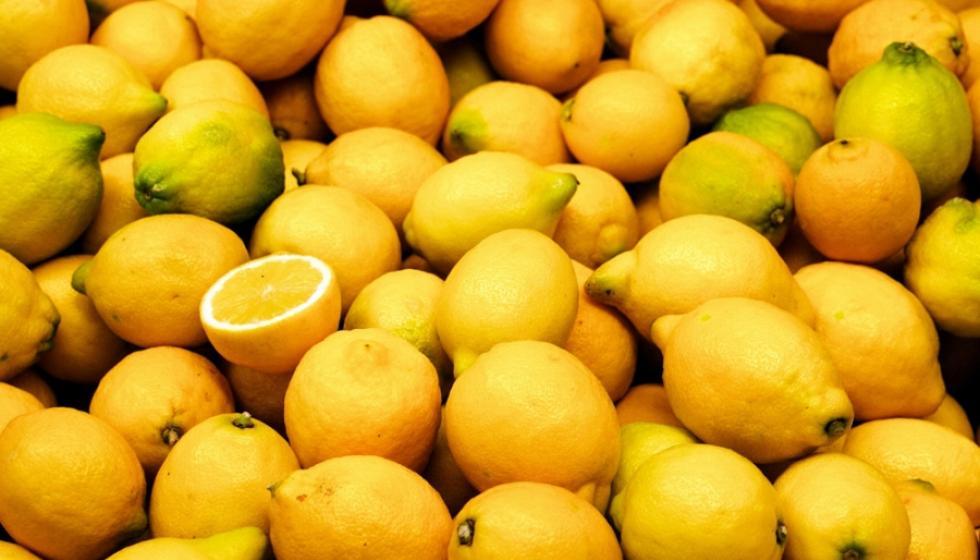 الليمون، معجون الأسنان، أو الخل لتنظيف مجوهراتك الفضية!
