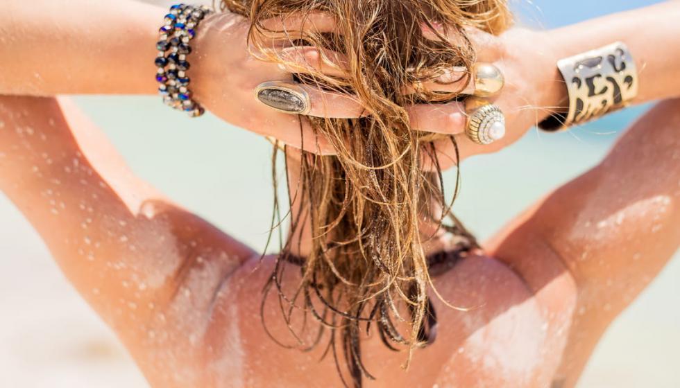 11 نصيحة للاعتناء بشعرك في الصيف