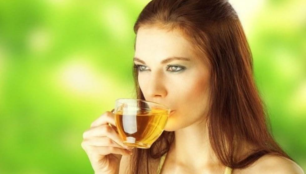 علاج السلوليت: ماء، شاي أخضر وغذاء خاص