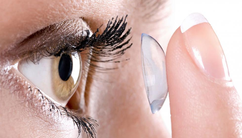 8 نصائح لماكياج العيون الحساسة