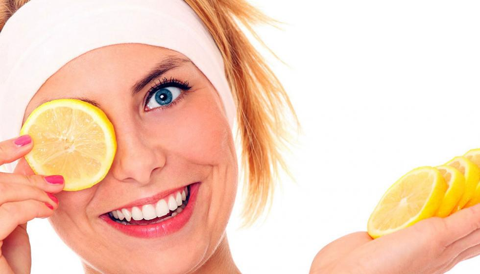 طرق متعددة لاستخدام الليمون الحامض في العناية باليدين