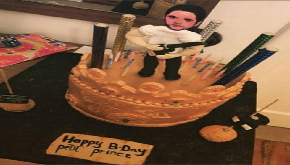 أحمد عز يحتفل بعيد ميلاده بمسدس ويطلب الصلح مع زينة