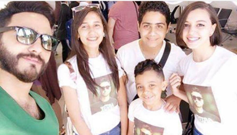 """تامر حسني يحضر لجديده مع أطفال""""ذا فويس كيدز"""""""