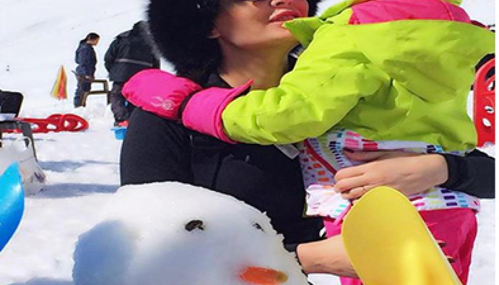 سيرين عبد النور وابنتها في صورة جديدة