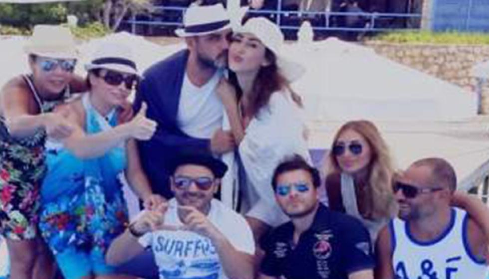 أصدقاء ورد الخال يسافرون الى قبرص للاحتفال بها