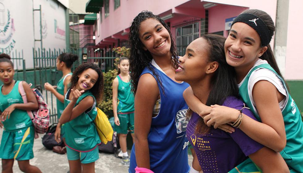 تمكين المراهقات قبل الأزمات وخلالها وبعدها هدف اليوم الدولي للفتاة 2017