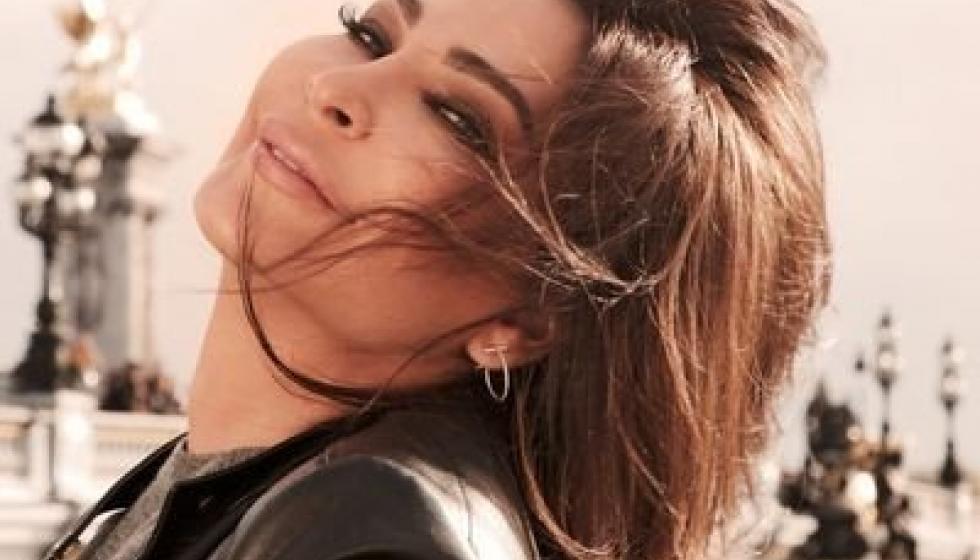 إليسا تغرّد مباركة للمرشحات على الانتخابات النيابية اللبنانية