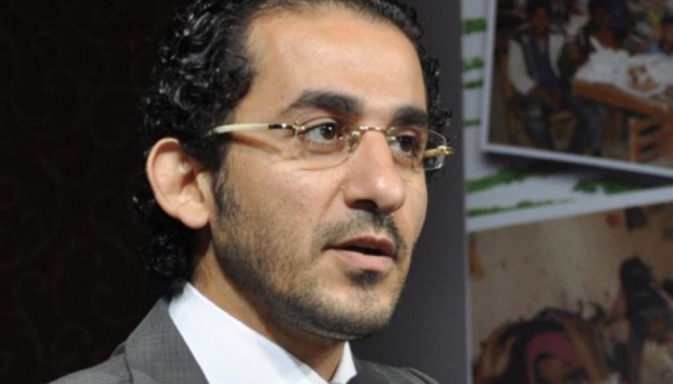 """أحمد حلمي بين العدل والخلاف على """"تراب ألماس"""""""